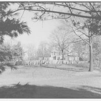 Stedman Hanks, residence in Locust Valley, Long Island. Distant approach