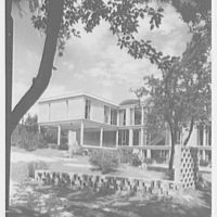 Central Nassau Medical Group, Hempstead, Long Island. South facade, vertical