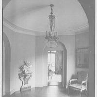 Frederick R. King, residence in Woodbury, Long Island, New York. Entrance hall