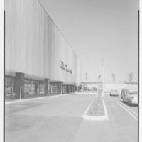 Prince George Plaza, Hyattsville, Maryland. Hecht's shop