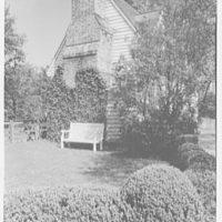 Williamsburg, Virginia, Ludwell-Paradise. Ivy on chimney