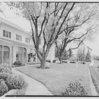 General Dwight D. Eisenhower, residence in Gettysburg. Terrace and barn