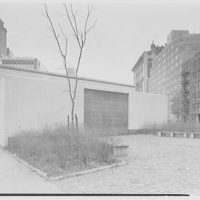 Brooklyn Public Library, Brooklyn Heights Branch, Fulton and Clinton St., Brooklyn, New York. North end, with lettering